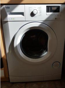 Beko WMB 61632 PTEU Waschmaschine Frontlader mit Pet Hair Removal im Test - Aufgebaut